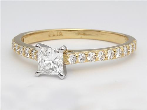 Gold 0.65 Princess cut Diamond Rings With Side Stones