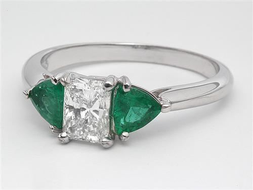 White Gold 0.67 Radiant cut Gemstone Ring