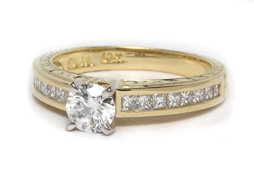 Gold 0.58 Round cut Engagement Rings With Side Stones