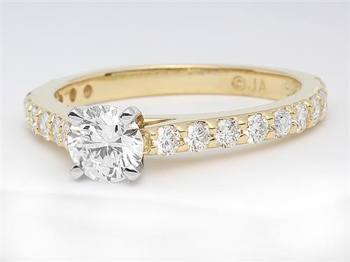 Gold 0.45 Round cut Diamond Rings
