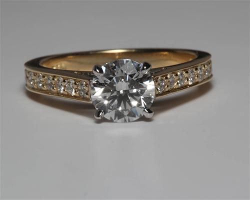 Gold 1.02 Round cut Engagement Ring