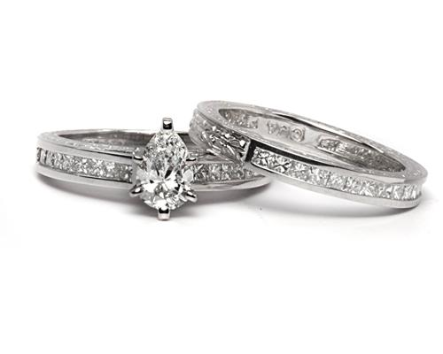 Platinum 0.70 Pear shaped Wedding Band Sets