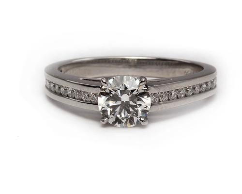 Platinum 0.90 Round cut Diamond Ring