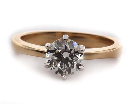 Gold 0.81 Round cut Diamond Solitaire Engagement Ring