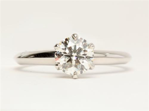 Platinum 0.91 Round cut Diamond Solitaire Engagement Ring