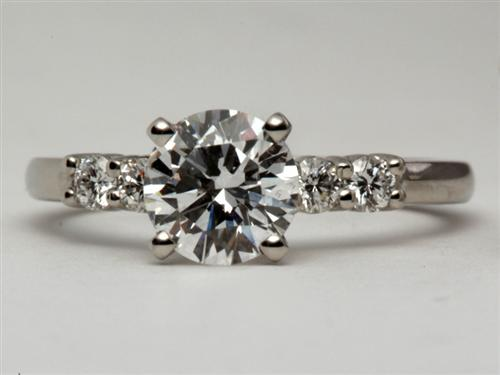 Platinum 0.97 Round cut Engagement Rings