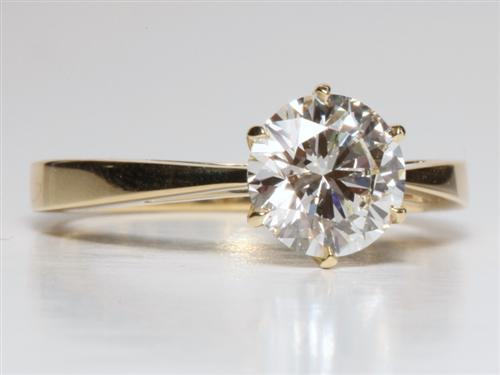 Gold 1.55 Round cut Engagement Ring