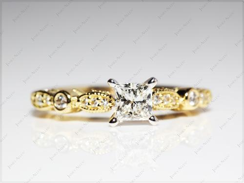 Gold 0.49 Princess cut Engagement Ring Side Stones