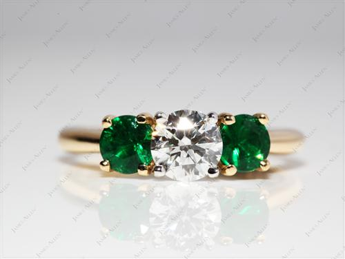 Gold 0.71 Round cut Engagement Rings