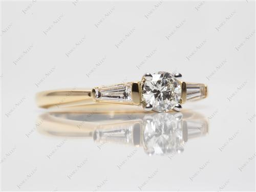 Gold 0.43 Round cut Engagement Ring