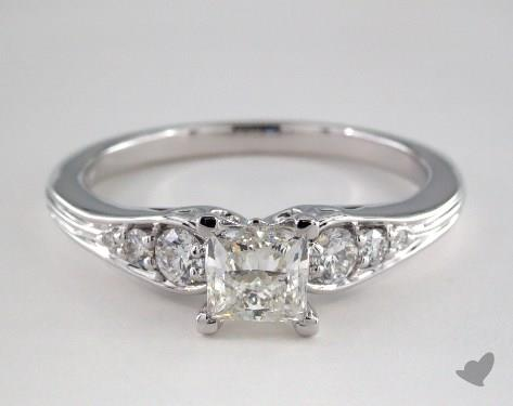 18K White Gold  Side stones Engagement Ring